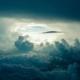 Avión y tormenta