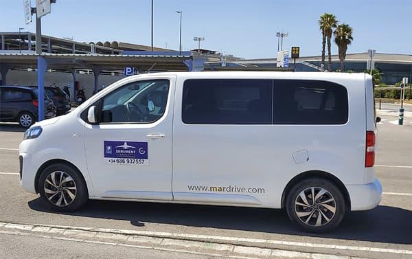 vehículo cortesía para traslado aeropuerto